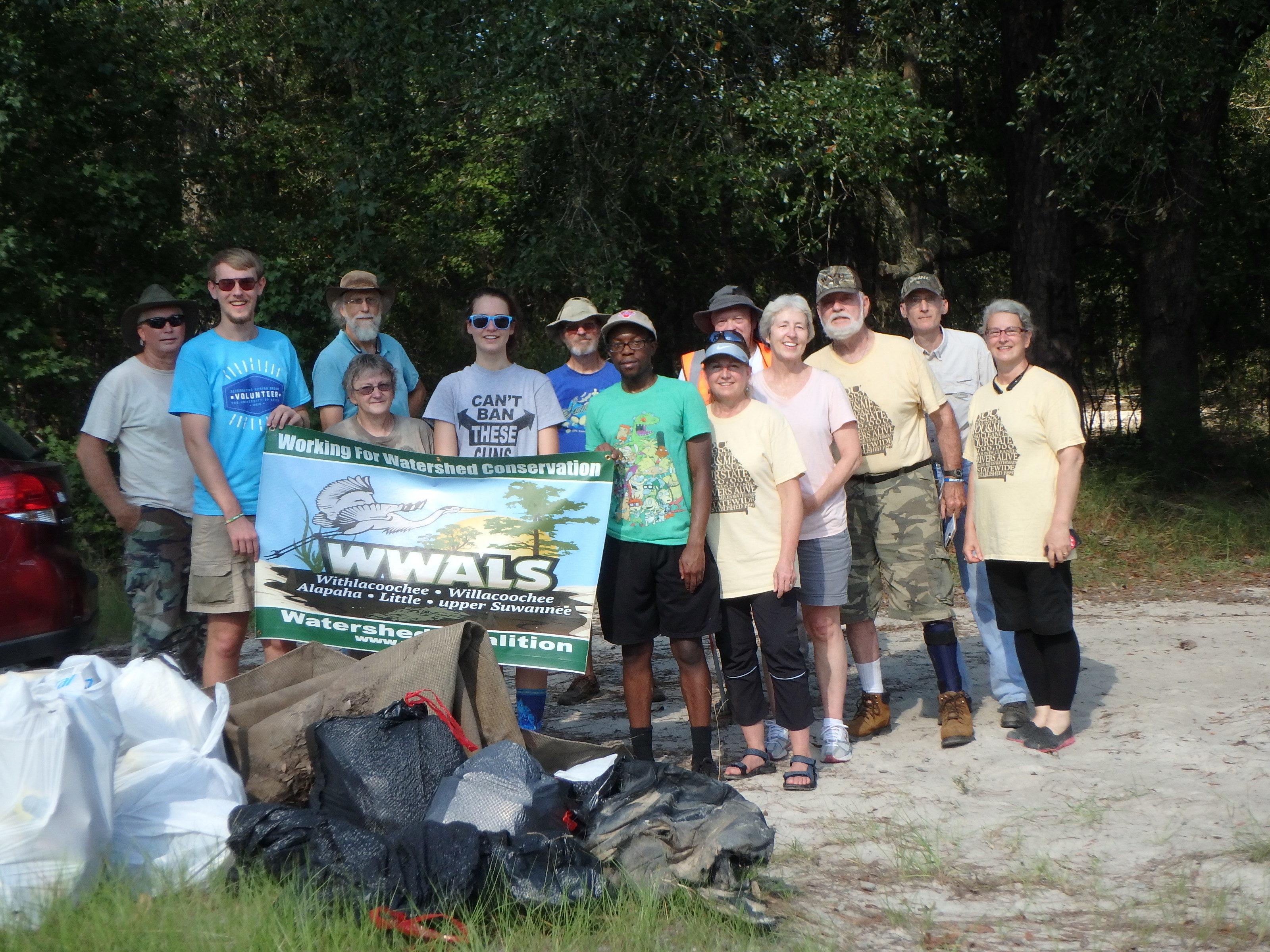 3200x2400 Group picture, in Successful Cleanup at Berrien Beach on the Alapaha River, by Gretchen Quarterman, 10 September 2016